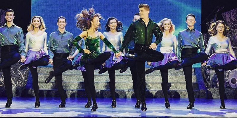 Como é assistir ao show do Riverdance, grupo de sapateado irlandês